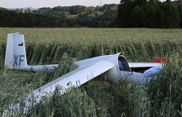 Policisté na Bruntálsku pravděpodobně našli pilota i havarovaný větroň