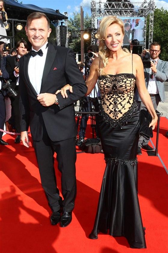c158fba2458d Jaromír Soukup a Kateřina Brožová na filmovém festivalu v Karlových Varech  (30.