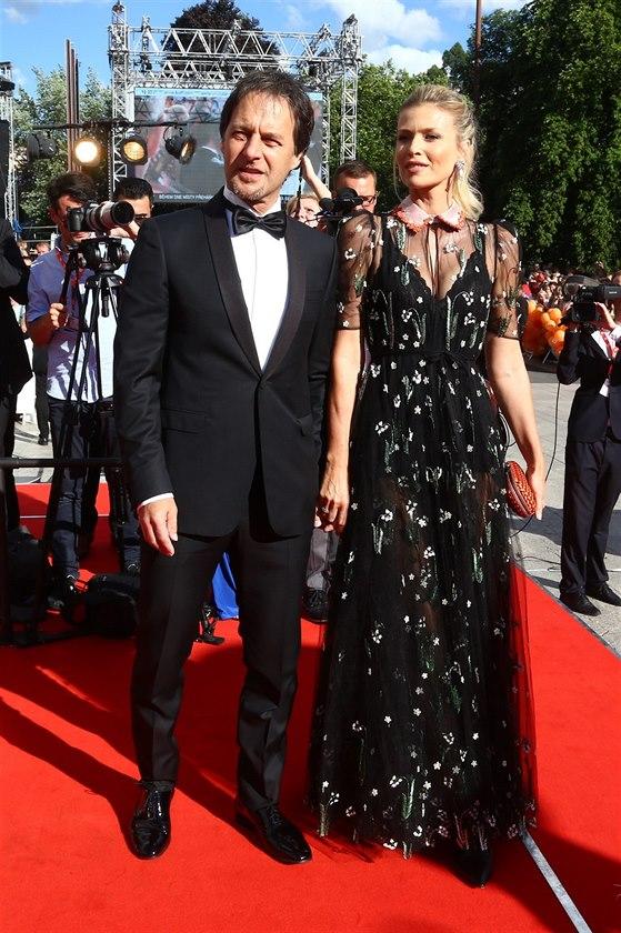 f19f5223ab0d Pavol Habera a Daniela Peštová na filmovém festivalu v Karlových Varech (30.