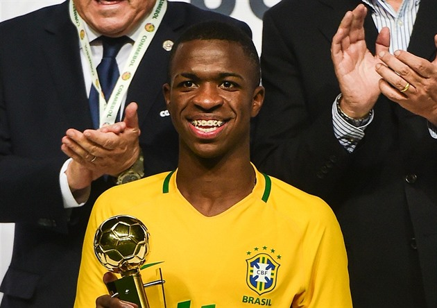 Un talent pour un milliard qui ne joue pas. Vinicius Junior sera-t-il la star du Real?