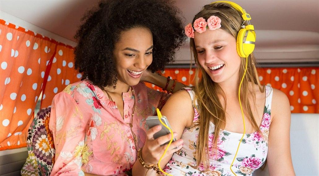 93a94045aef Mladá generace hipsterů si potrpí na staré oblečení