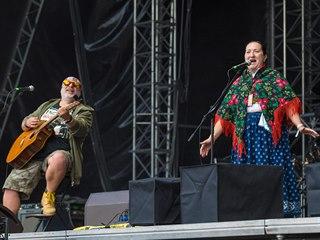 Kapela Fleret se Zuzanou Šulákovou na metalovém festivalu Masters of Rock ve...
