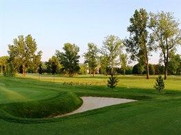 Naleznete zde i krásné golfové hřiště.