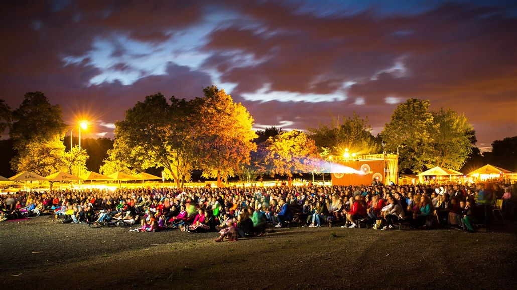Pardubické letní kino startuje v pondělí, láká na komfortnější posezení