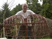 Vlastimil Kula na své zahradě, kterou pro potřeby fotografování proměnil v...