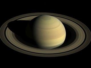 Severní polokoule Saturnu se připravuje na léto (září 2016)