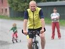 """""""Dnes už jsou bicykly o něčem jiném. Mají kola 29 palců, všechno je lehké z..."""
