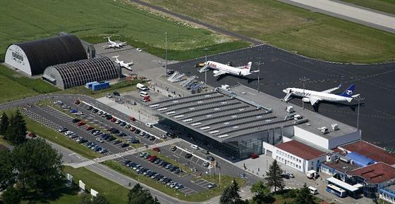 Výsledek obrázku pro letiště mošnov