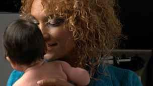 Lejla Abbasová: Z rodící ženy se stala pacientka na přístrojích