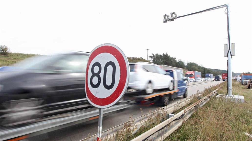 Úsekové měření rychlosti u Velkého Meziříčí bude trvat nejdéle do 19. prosince....