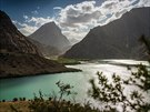 Iskanderkul není jen jezero, je to ikona divoké přírody Tádžikistánu.