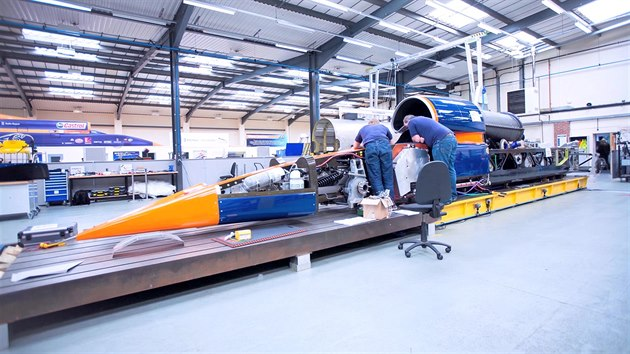 bloodhound project Bloodhound project director richard noble hopes that his supersonic scheme will inspire kids to invent and design new technology, to boost the uk's economy.