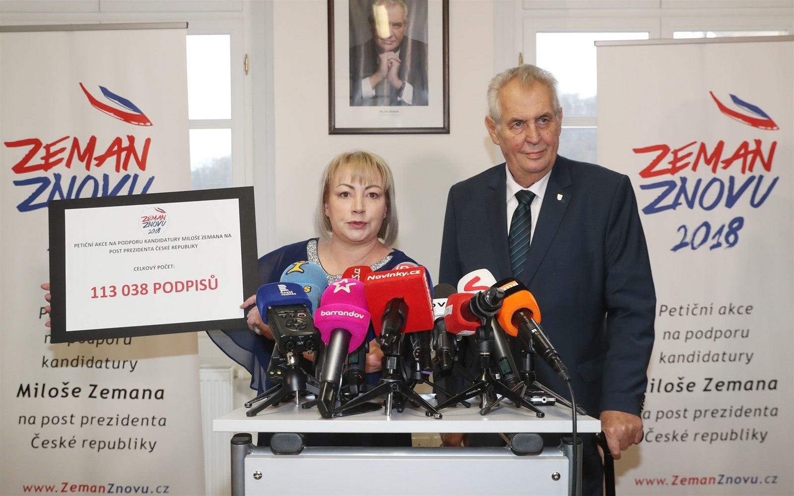 Prezident Milos Zeman A Jeho Manzelka Ivana Vystoupili Na Tiskove Konferenci K Zemanove Kandidature Do Prezidentskych