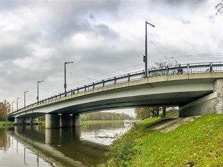 Most Pavla Wonky v Pardubicích. Jeho kompletní uzavírka by znamenala v ulicích...