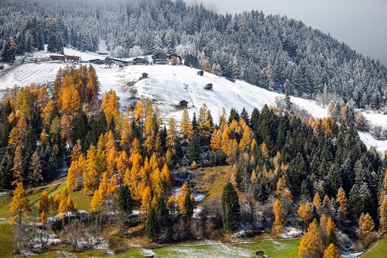 První přírodní sníh ve vesnici Neustift na západě Rakouska (listopad 2017)