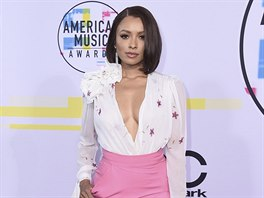 Kat Grahamová na American Music Awards (Los Angeles, 19. listopadu 2017)
