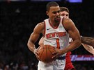 Ramon Sessions z New Yorku utíká obraně Miami.