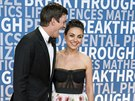 Ashton Kutcher a Mila Kunisová na Breakthrough Prize Awards (Mountain View, 3....
