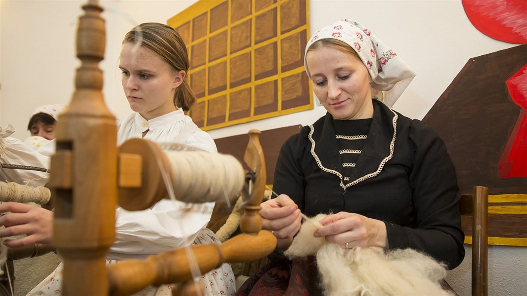 Valašský mikulášský jarmark se konal 2. prosince ve Valašských Kloboukách  ... eb61beab3d