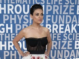 Mila Kunisová na Breakthrough Prize Awards (Mountain View, 3. prosince 2017)
