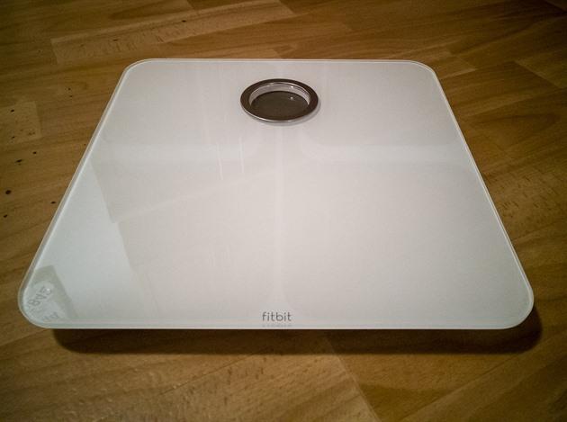 08e0e54b0 TEST: Váha Fitbit Aria 2 pohlídá vaše hubnutí i množství tuku v těle ...