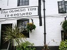 Údajně nejstarší anglická restaurace má ve svém štítu vepsaný rok 1189.