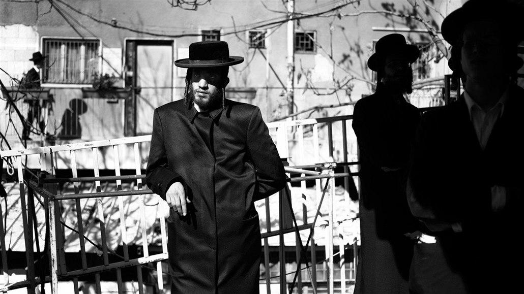 Netanyahuův syn chodící s nežidovskou dívkou
