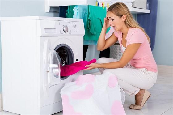 5bdac500289 Jestliže třídíte prádlo podle barev