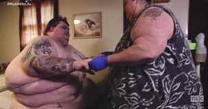 Morbidně obézní pár se díky operaci po 11 letech dočkal sexu