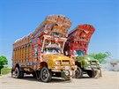 Pojízdné galerie. V severním Pákistánu spatříte pověstné malované náklaďáky.