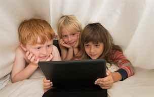 Digitální domorodci? Spousta dětí neumí víc, než klikat a dotýkat se