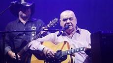 Písničkář František Nedvěd v neděli zemřel. Kvůli zhoršenému zdravotnímu stavu byl poslední dny v nemocnici