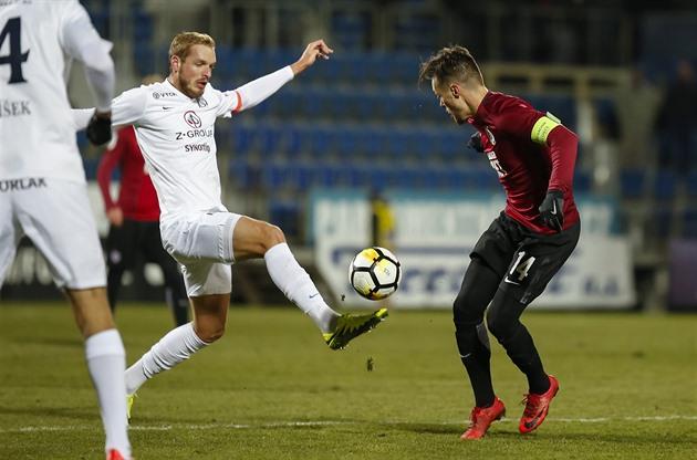Fotballspillere fra Slovácko vil jobbe hjemme. Skjønt Sparta venter på dem