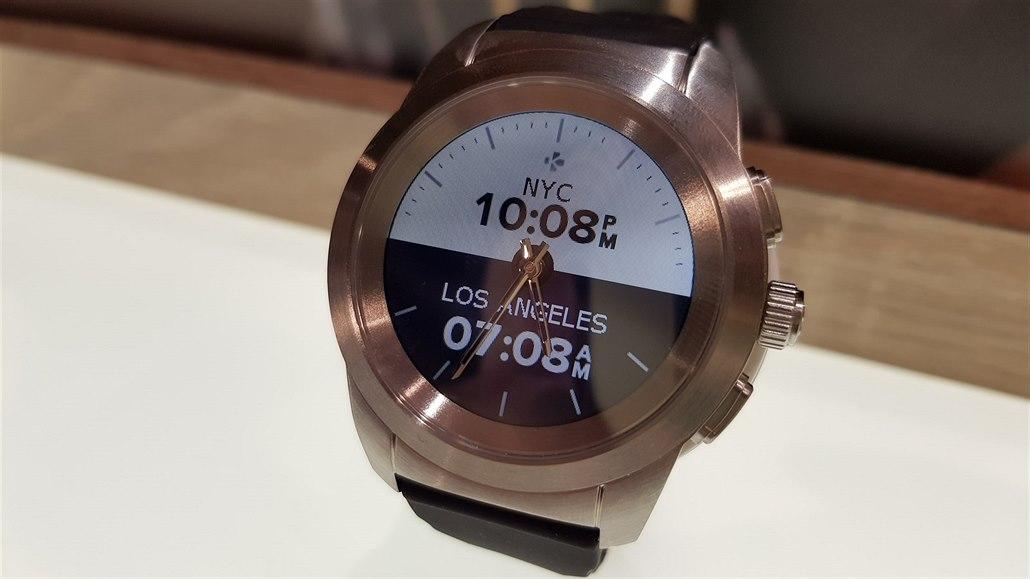Vybrali od lidí 130 milionů a slíbili jim chytré hodinky s ručičkami ... f5af522aaf1