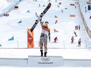 ZLATO. Česká snowboardistka Ester Ledecká zvítězila v olympijském paralelním...