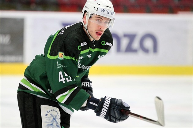 V Karlových Varoch skladajú nový tím, končí deväť hokejistov