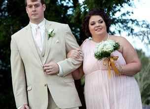 Fotka ze svatby jí změnila život. Obtloustlá družička zhubla 50 kg