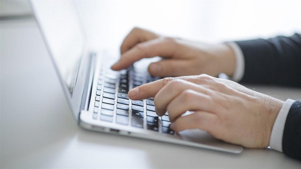 Výměna IT dodavatelů na ministerstvu se vleče. Česko čeká nejdražší rok