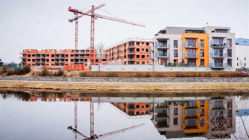 Praha má stále nejdražší byty ve střední Evropě, stojí 14 ročních mezd