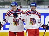 Autor prvního gólu Česka Martin Kaut (vpravo) se raduje se spoluhráčem Davidem...