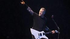 James Hetfield z Metalliky na koncertu z Worldwired Tour v pražské O2 areně 2....