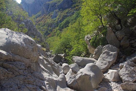 Mala Paklenica: průchod kaňonem