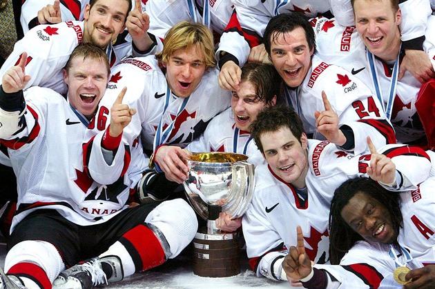 Finále MS 2003  Kanada - Švédsko 3 2. Titul potvrdilo až video ... 7d1ae8fdbc