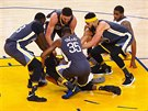 Draymond Green, Klay Thompson, Kevin Durant a JaVale McGee (zleva) z Golden...