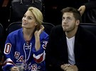 Margot Robbie a Tom Ackerley (New York, 26. února 2015)