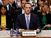 Mark Zuckerberg vypovídá před americkým Kongresem (10. dubna 2018)
