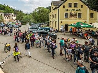 Do skalních měst v Adršpachu a Teplicích nad Metují přijely tisíce návštěvníků...