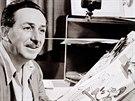 Walt Disney a jeho nejznámější postava myšáka Mickeyho.