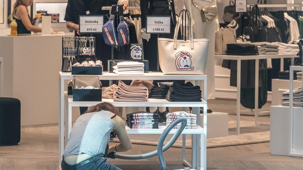 Nákupní horečka nekončí. Do Česka se hrnou zahraniční značky, hlavně módní