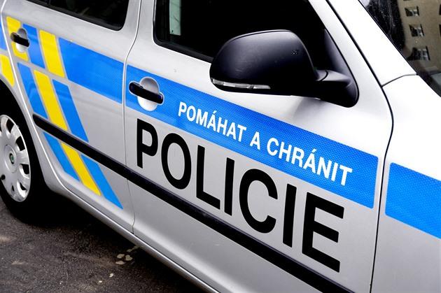 Z toalet obchoďáku v Plzni vyběhl hořící opilec. Odmítl říct, co se stalo